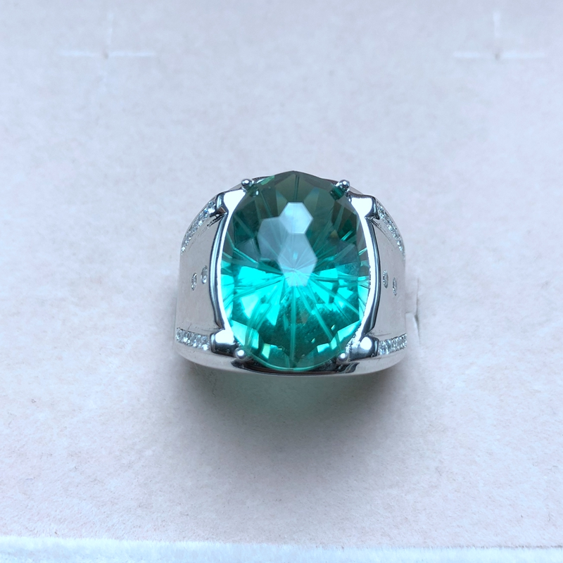 Atmospheric mens ring, natural green crystal, authentic color, good quality, 925 silverAtmospheric mens ring, natural green crystal, authentic color, good quality, 925 silver