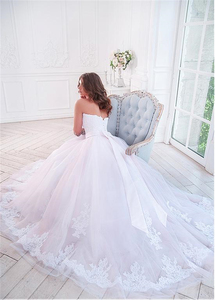 Image 3 - Elegant Tulle Sweetehart Neckline Ball Gown Bridal Dresses With Lace Appliques & Beadings & Belt Wedding Gowns