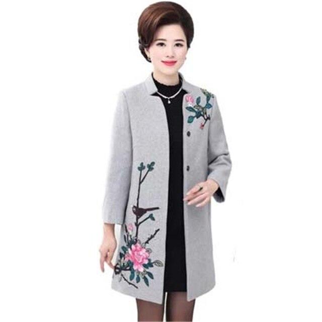 5ca15d36347f 2018 NOUVELLE Mode Plus La Taille Veste D hiver Manteaux Femmes Vintage  Broderie Florale Laine