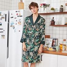 25ca08f281de6 Été décontracté hommes Robe Kimono peignoir imprimé rayonne vêtements de  nuit à manches longues maison vêtements Satin Robe de c.