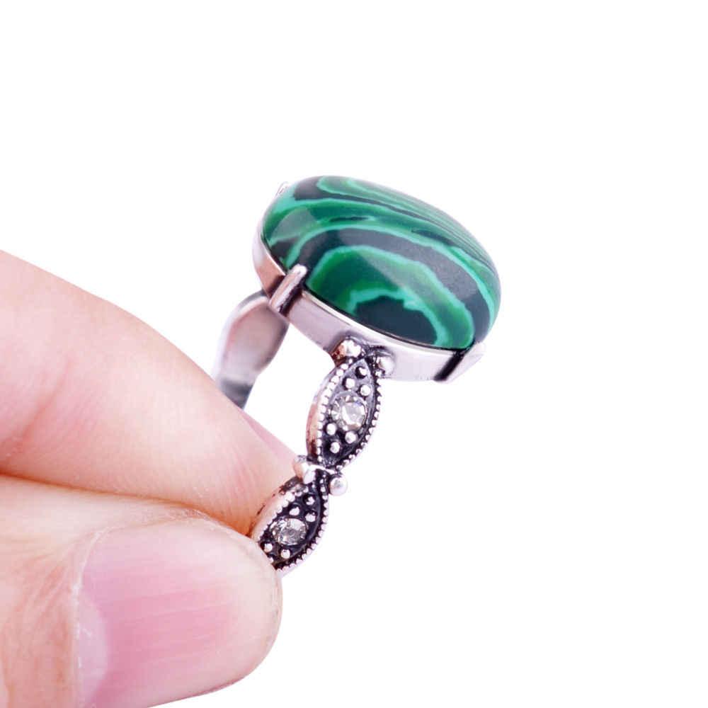 แฟชั่นใหม่เสน่ห์ผู้หญิงเงินชุบโบราณย้อนยุคสีเขียวมรกตแหวนเครื่องประดับ