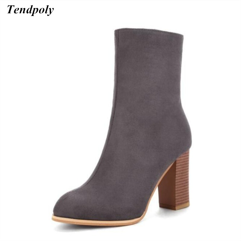 The New autumn and winter plus size plus cashmere coarse tube women's boots pointed high heel Martin boots hot wild casual shoes autumn and winter new leather shoes with leather boots and boots with flat boots british classic classic hot wild casual shoes