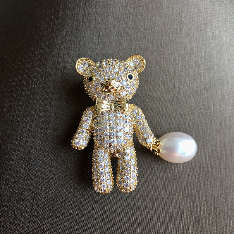 YueBanG Fancy Seawater Pearl Brooch Trendy Cute Little Bear Brooch For Wedding Party Zircon Brooch Pin Accessories For Women. все цены