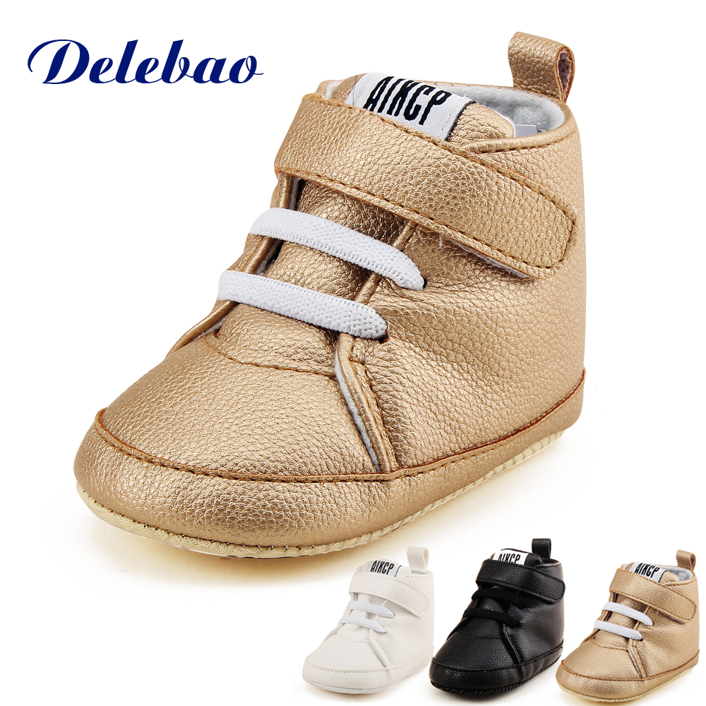 Delebao High State Department med Magic Stickers Læder Baby Sko Rough PU First Walkers Lace Up Soft Sole Baby Boy Sko