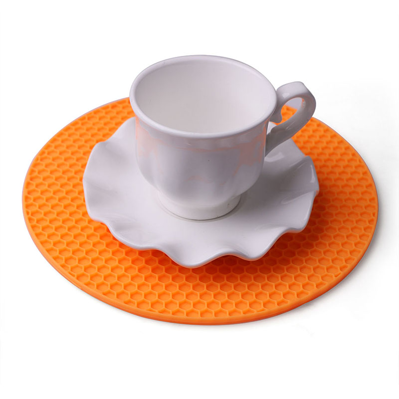 1Pcs 4 Colors Round Honeycomb Silicone Mat Non slip Heat  : 1Pcs 4 Colors Round Honeycomb Silicone Mat Non slip Heat Resistant Dining Table Placemat Coffee Cup from www.aliexpress.com size 800 x 800 jpeg 84kB