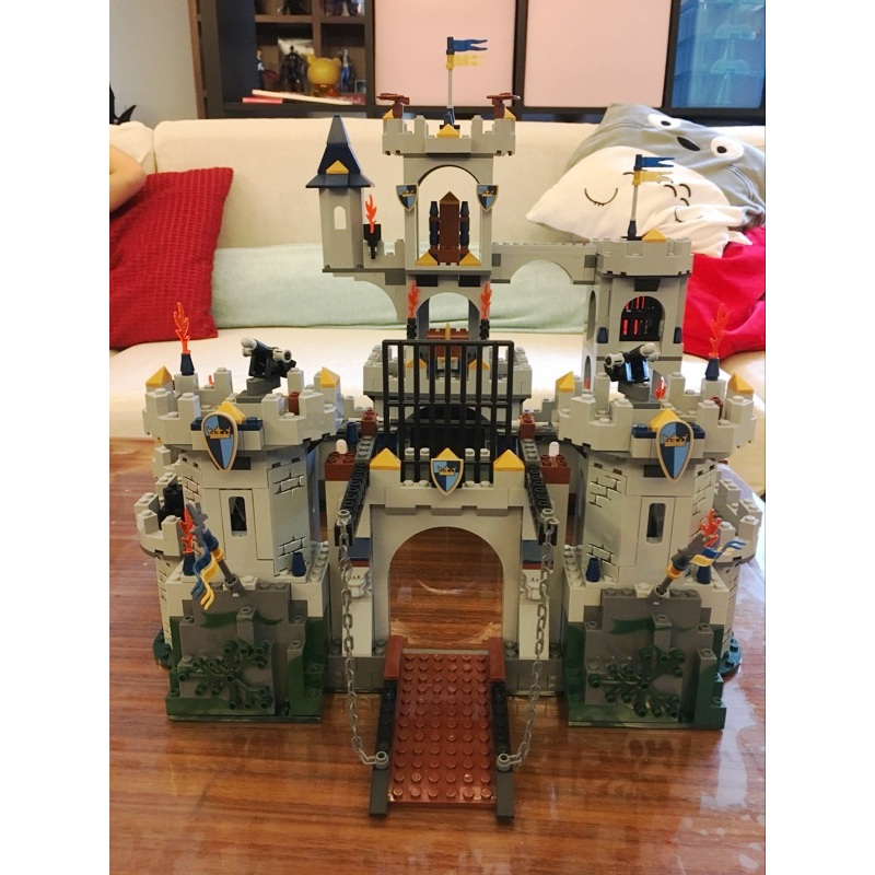 Lepin 16017 King's Castle Siege building bricks blocks Toys for children boys Game Model Gift Compatible with Bela 7094 lepin genuine 16017 castle series the king s castle siege set children building blocks bricks educational toys model gifts 7094