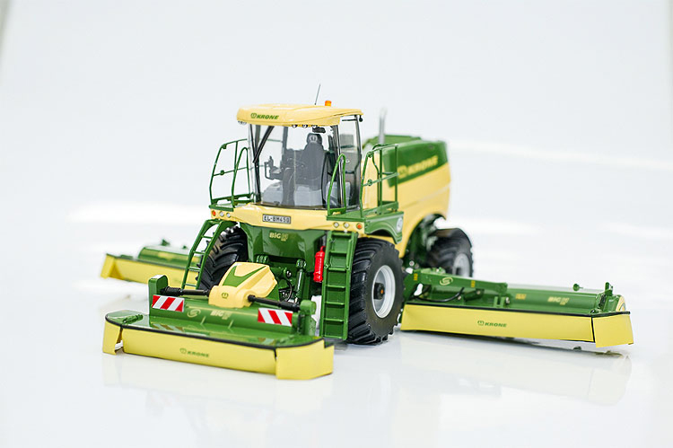 Italy 1:32 new grass harvester tractor farm vehicle model 60157 Big M 450 Alloy collection model big italy