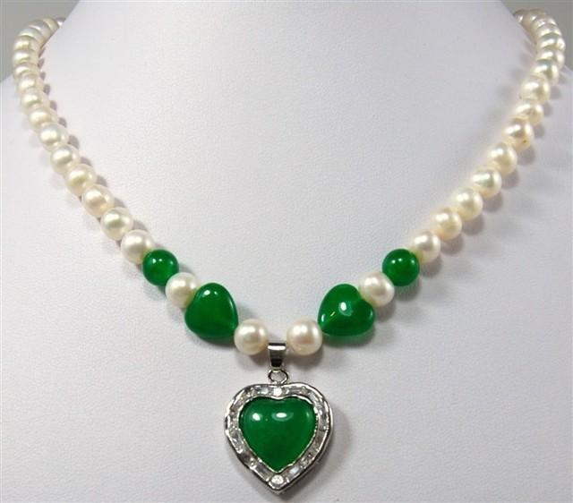 FRETE GRÁTIS >>>@@> atacado 8-10mm shell pérola jogo contas de jade verde e verde jade coração pingente colar