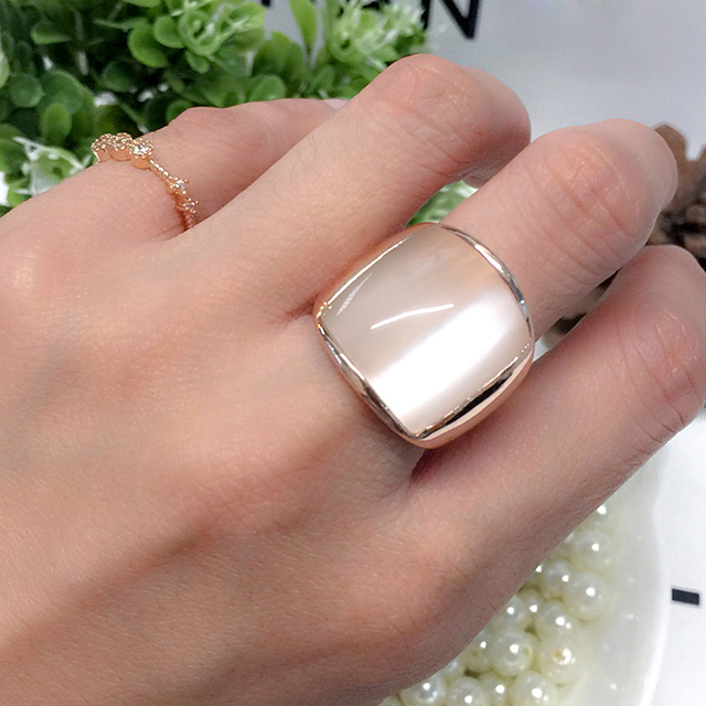 Fashion Rose Gold C Man Ring Fashion Milky White Opal Ring Male