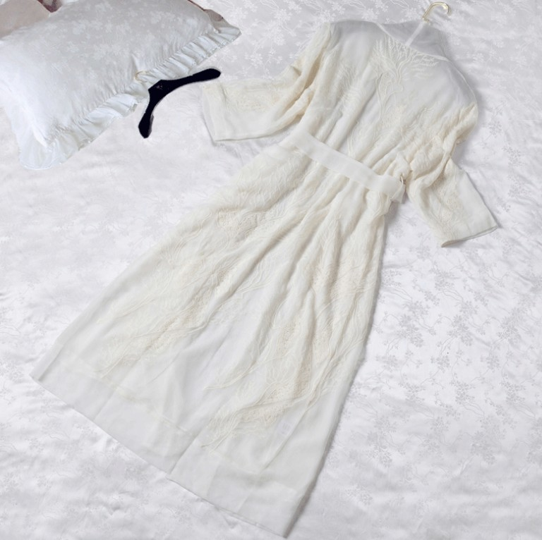 Aliexpress.com   Buy Fashion Summer Women s White Long Robe Sleepwear Royal  Embroidered Nightgown Princess Thin Nightshirt Silk Pajamas Home Wear from  ... feb53fd27