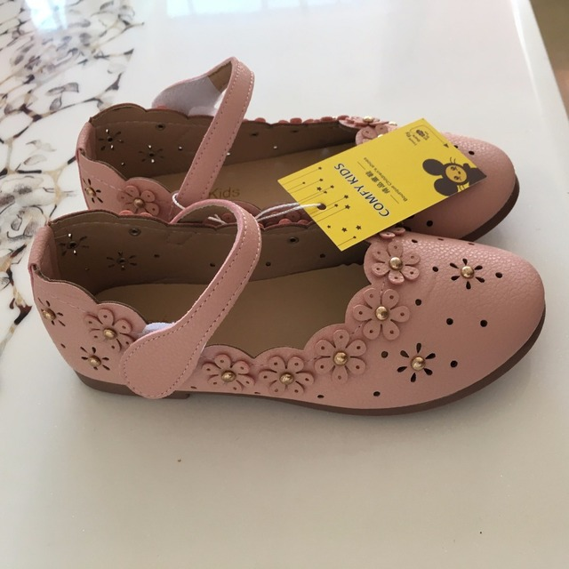 57a51e418 2017 summer new Korean girl sandals princess shoes hollow small flowers  Baotou baby shoes children s shoes