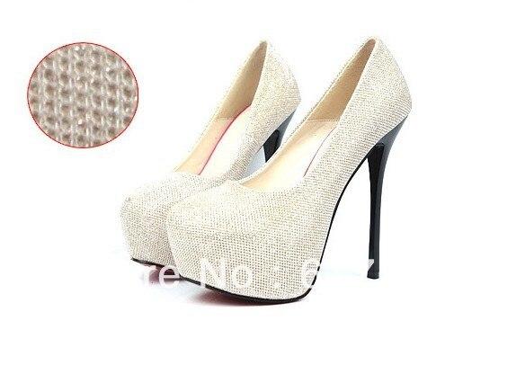 Секс женщины в обуви на платформе