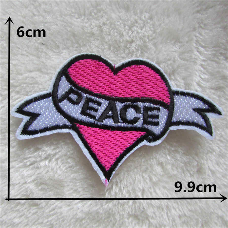 1PCS Red heart Embroidery patches Hat Bag Badge decor iron on patch for Clothes Stripes stickers Accessories Cartoon Applique