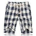 2016 mens pantalones cortos bordo de gran tamaño azul negro plaid verano playa Pantalones Cortos sueltos homme algodón ocasional de la playa hasta la rodilla pantalones cortos de lino