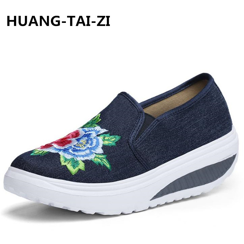 2018 Fashion Sneakers Women Casual Shoes Flower Print Slip On Shoes Cloth Ladies Shoes Large Size Flat Chaussures Femme