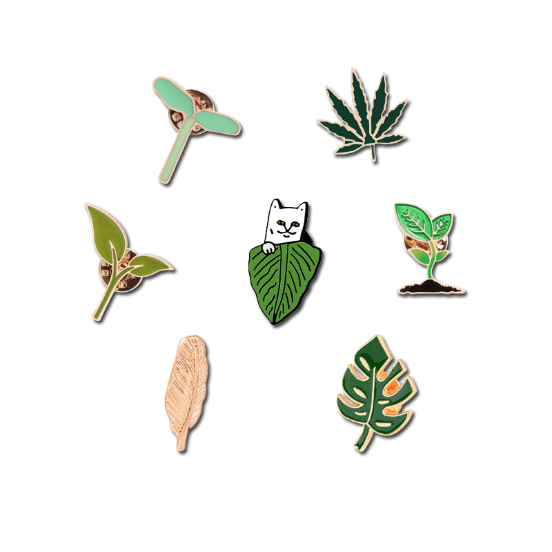Fashion Brooches Metal Lapel Pin Buckles Gold Leaf Green Shoot Maple Leaf Bag Badge Cat Jewelry Women Accessories Denim Hat Icon