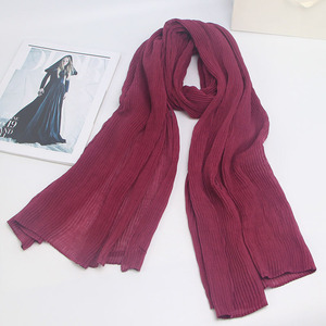 Image 3 - Miya Mona Plain Katoen vrouwen Hijaabs Vrouwelijke Mode Warme Golf Gerimpelde Moslim Wrap Hijab Eenvoudige Solid Plain Sjaal Hoofddoek