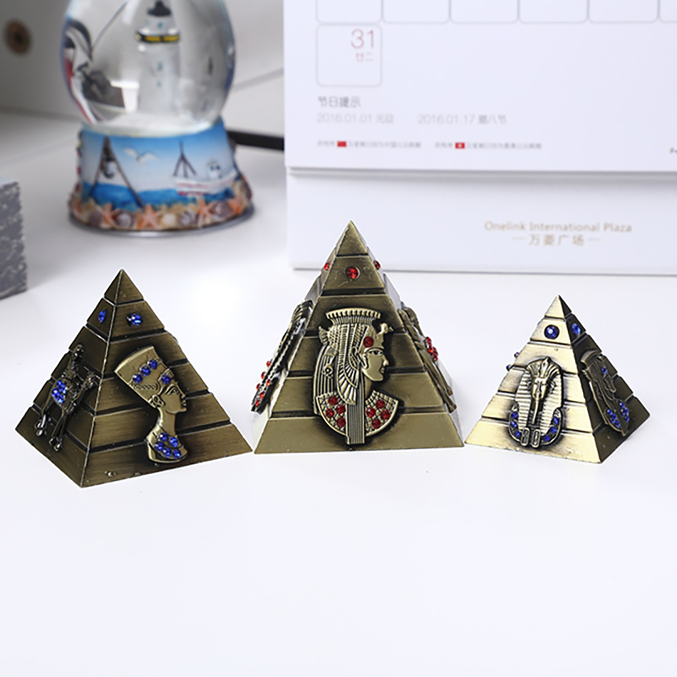 three pcs/set Egypt Khufu Pyramid mannequin ornaments retro Decor crafts Dwelling Furnishing alloy home windows show vacationer memento pyramid mannequin, home windows home windows, pyramid egypt,Low cost pyramid mannequin,Excessive...