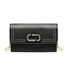 купить 2019 Vintage Fashion Women Messenger Bags Rivet Envelope Mini Clutch Bags Black Purse Crossbody Punk Shoulder Bag Sac A Main по цене 1366.45 рублей