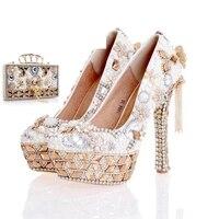 Новый дизайн жемчужно белые свадебные туфли с подходящая Сумочка Великолепная ручной работы на высоком каблуке Для женщин со стразами свад