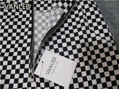 HTB12PJJQFXXXXcgXXXXq6xXFXXXi - vintage Black White Plaid Circle Zipper Women Slim Skirt PTC 195
