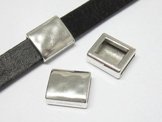 Martelado deslizante retângulo 10x2mm descobertas de couro Liso-FF44