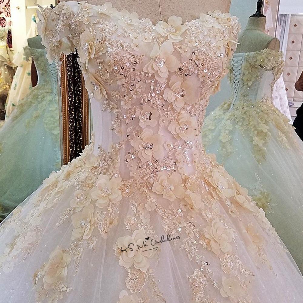 Classic Wedding Gowns 2018: Champagne Flowers Turkey Vintage Wedding Dress 2018 Puffy