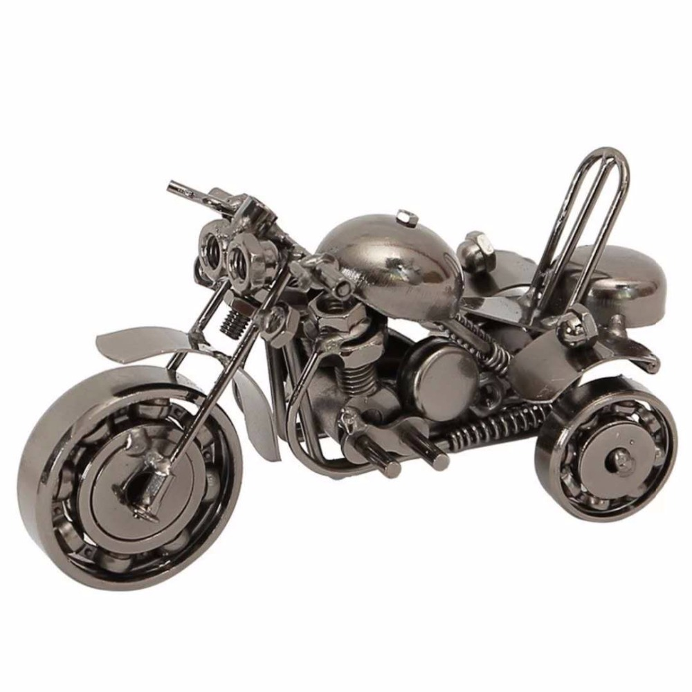 Three-Wheeled Motorcycle Model Vintage Decoration Handmade Home Office Decoration Retro Old Metal Motorcycle Statue Crafts
