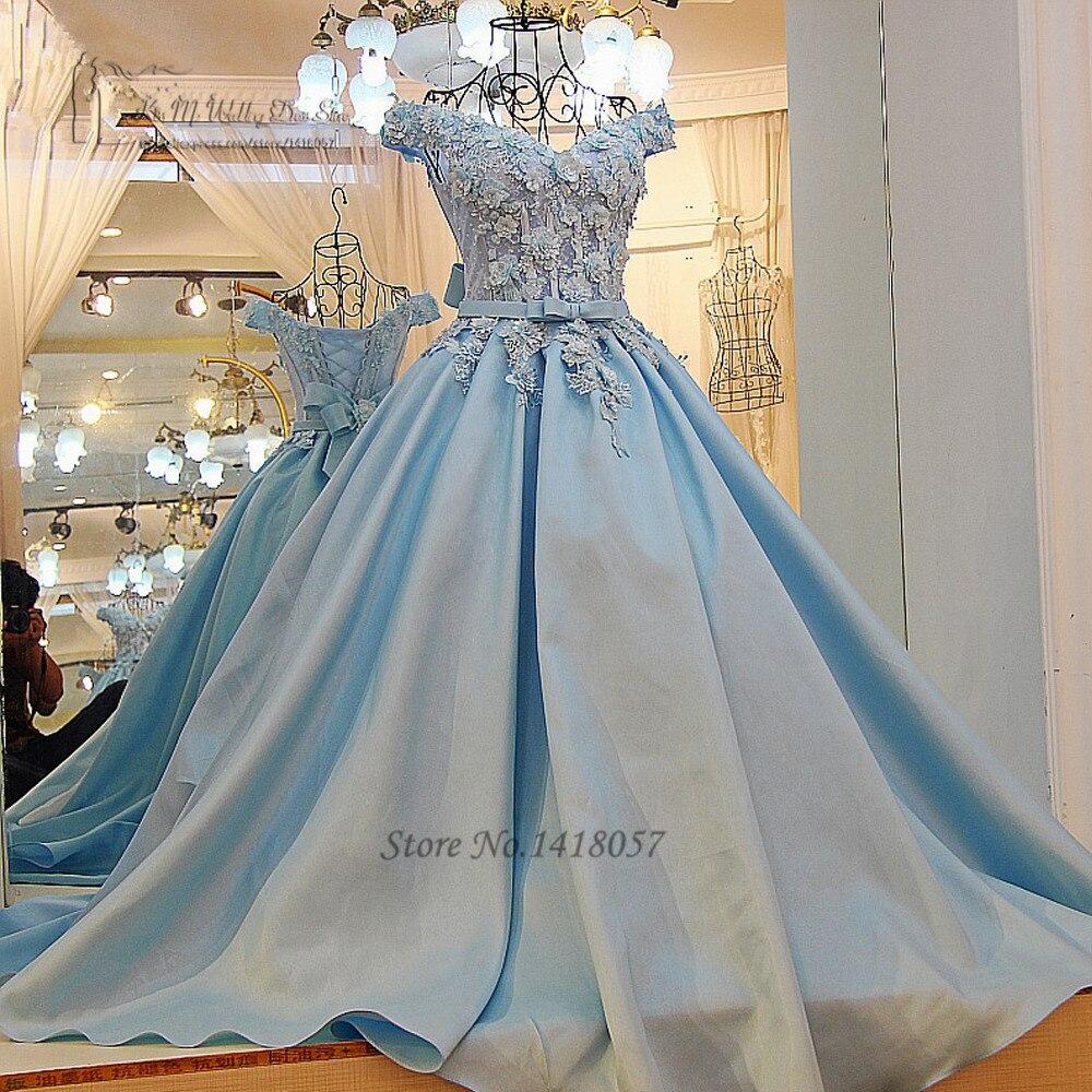 Lichtblauwe trouwjurk