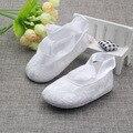 Nueva White Lace Baby Girl Shoes Zapatos Bautismo para Recién Nacidos Girls Calzado para Bebés Pirncess Niña Primeros Caminante