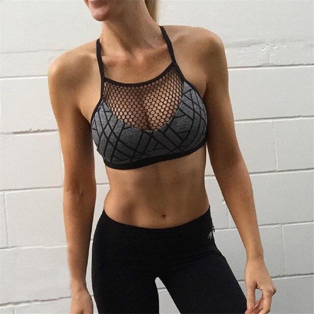 Sexy Sutiã Esportivo de Fitness Gym Acolchoado Grade de Malha Curto  Mulheres Sutiã Esporte Yoga Cinza d5b534ab46397