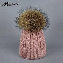 Niños de punto gorros Cap Real Raccoon Fur Pompom sombrero sólido niño niña  grande Pom sombrero d38bd40d275