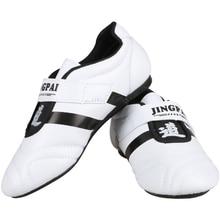 new style f37da 13fa8 Gros blanc enfants mâle femelle respirant Chaussures De Taekwondo Arts  Martiaux Baskets sport chaussures WTF TKD Formation Concu.