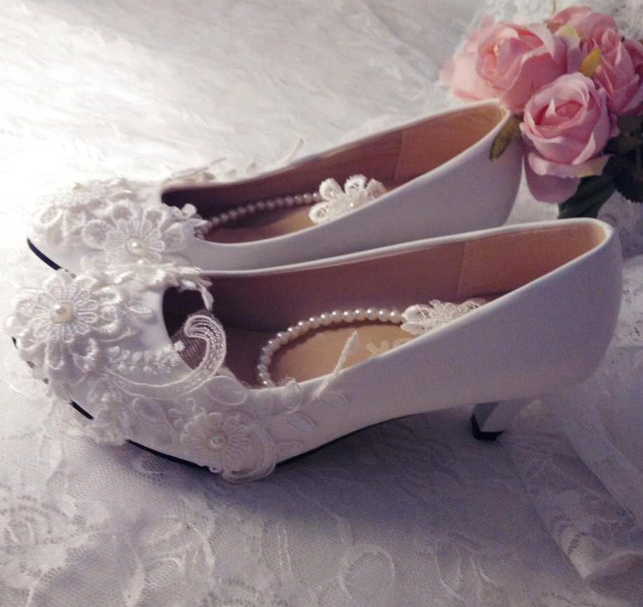Pumpt 8 Größe Flat Heel Perlen Elfenbein Heel 42 Heel Europäischen Schuhe 5cm 4 Auf 5cm 3cm Slip Hochzeit Mittlere Stil Braut Plus Heel Spitze 41 Ferse wxZfg
