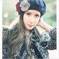 Женщины Шерсти Шапочки Шляпа Мода Цветы Осень Зима Cap Черный Синий Цвет Россия Шляпы Взрослых равнине оборудованная шляпы CP039