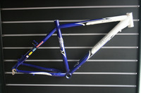 JBCpro Storm Alluminum alloy MTB FRAME 26 18 white / blue clear stock price airmail free shipping