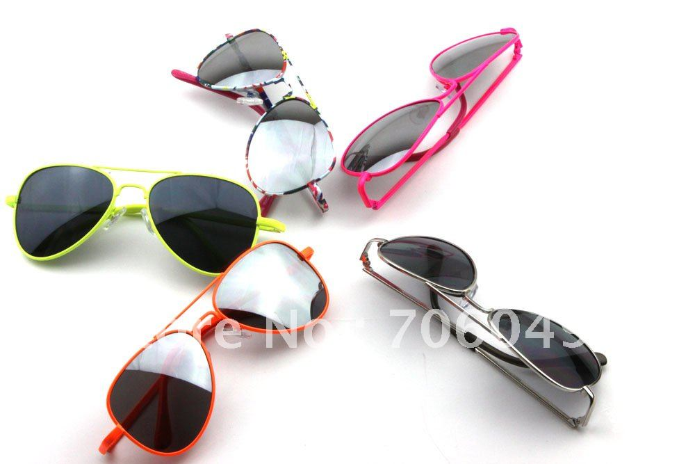 12 Forever Classic Features: Free Shipping, Forever Classic 3025 Style Kids Sunglasses