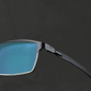Image 2 - Titanium alloy Outdoor Photochromic Reading Glasses Men Sun Automatic Discoloration Presbyopia Hyperopia Glasse gafas de lectura