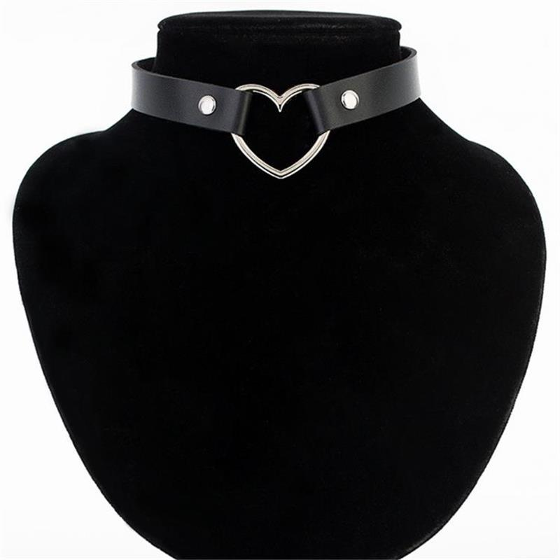 Meajoe Trendy Sexy Punk Gothic Leather Heart Studded Choker Necklace Vintage Charm Round Collar Necklaces Women Jewelry Gift(China)