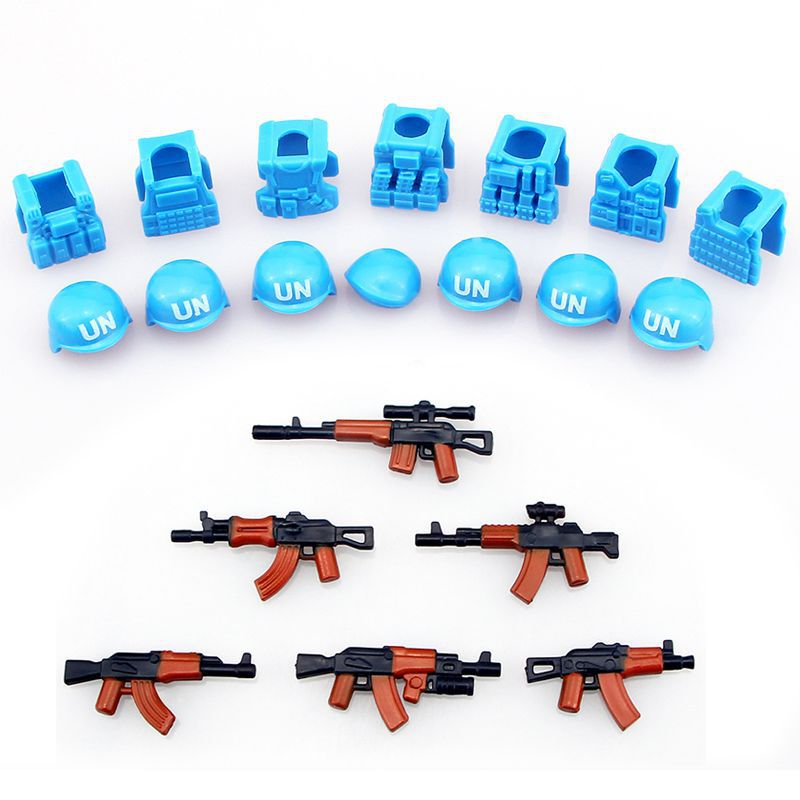 10Sets Guns helmet and Beret UN Bulletproof Vest AK Weapons Pack Military Army Arms lightsaber For