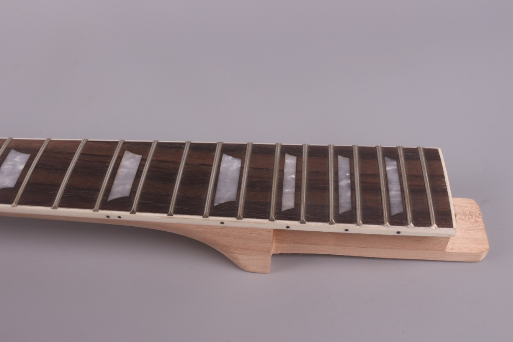 LP unfinishede electric guitar neck 22 fret Locking nut 628mm 24.75'' mahogany made and rosewood fingerboard 008# unfinishede electric guitar neck 22 fret locking nut 628mm mahogany made and rosewood fingerboard