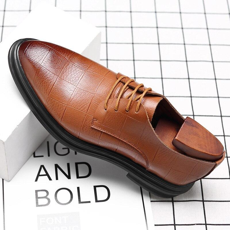 Pour Autumm Cuir Loisirs Mode Chaussures Totem Hommes Lacets Bas jaune Pointu Bout De À Noir Habillées Véritable Couture Homme Solide Fretwork Oxford wUqqBpTx