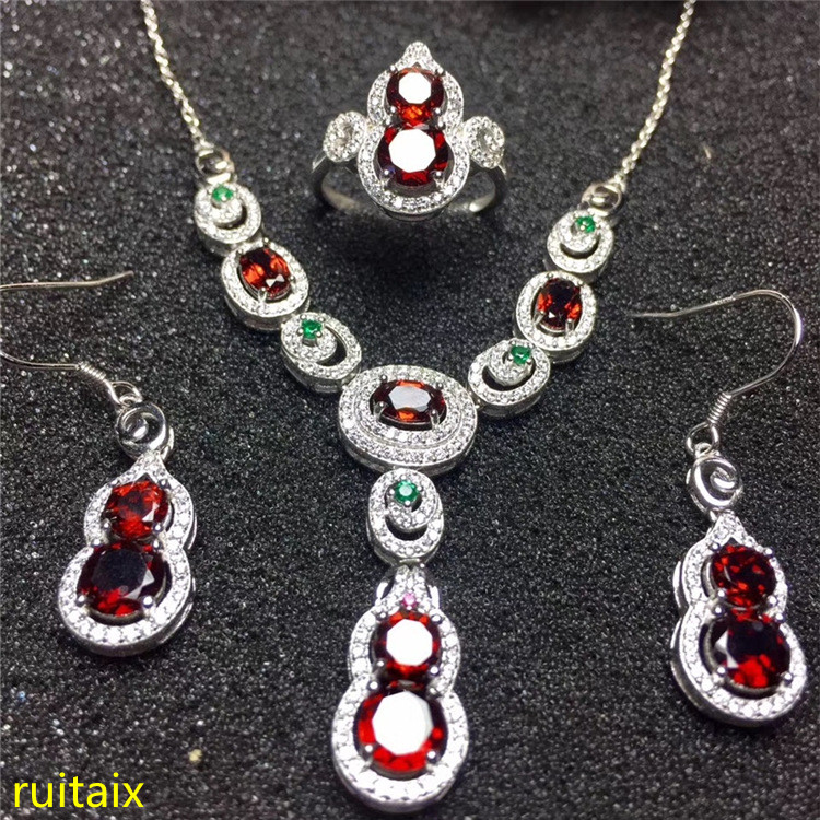 KJJEAXCMY boutique jewels 925 Pure silver inlaid with natural pomegranate stone ring necklace earrings 3 pieces of gold color. pure color velvet six pieces thin choker necklace