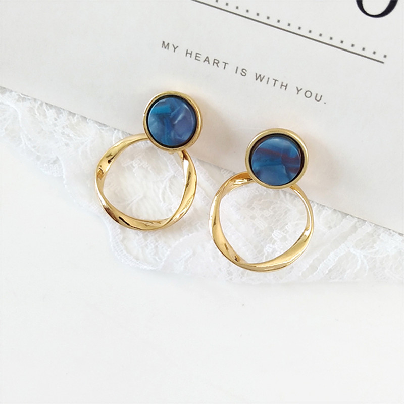 Fashion quality twist ring resin Earring Earrings exquisite girls, retro metal earrings, jewelry wholesale