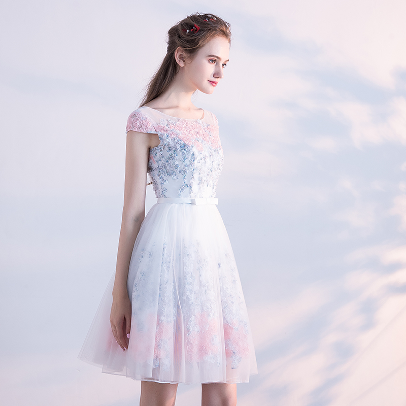 Elegant Tulle Lace Appliques A-Line Bridesmaid Dress 3