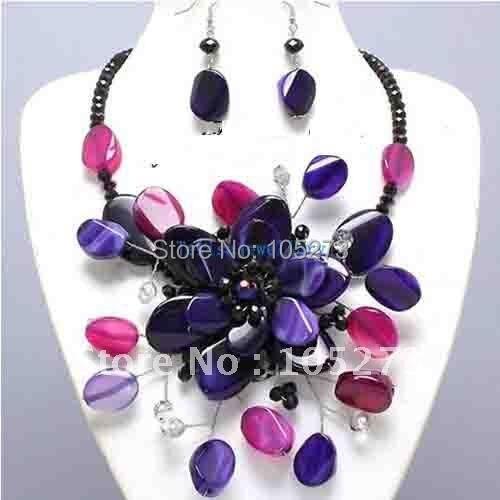 купить Bejeweled Purple & Pink Semi Precious Chunky Flower Necklace Set Wholesale Costume Jewelry New Free Shipping FN752 по цене 4681.63 рублей
