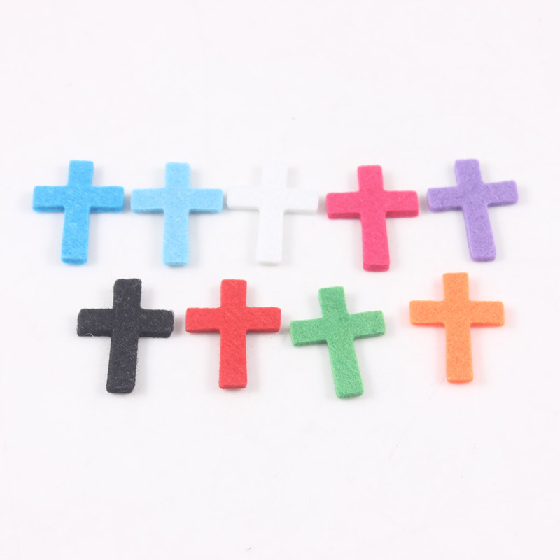 100pcs 9 Colors Colorful Cross Felt Pads for Cross Essential Oil Diffuser Aromatherapy Locket Perfume Floating Locket Pendant