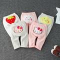 2017 nova marca do bebê meninas bonito calças de algodão primavera e no outono menina infantil KT morango projeto da nuvem calças roupas recém-nascidos