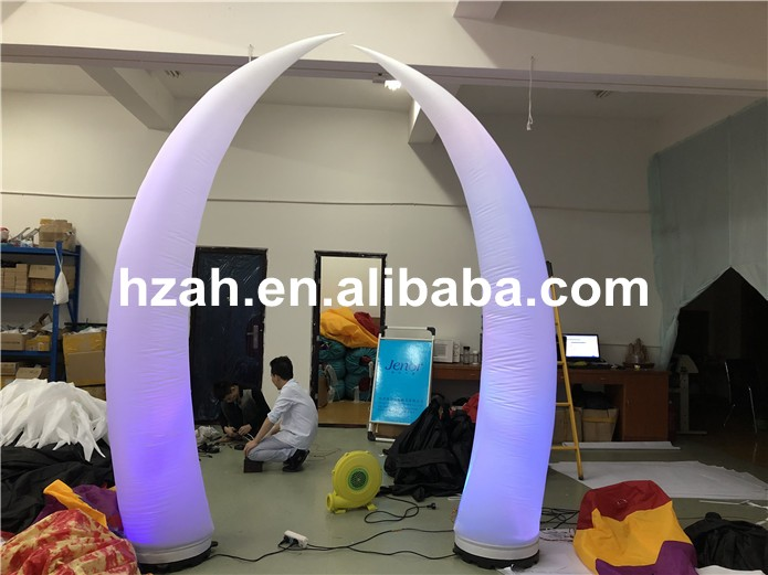 Colorful LED Inflatable Ivory for Wedding DecorationColorful LED Inflatable Ivory for Wedding Decoration