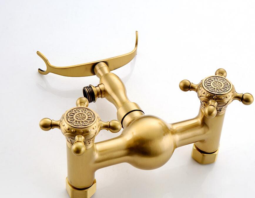 banheira montado na parede torneira do banho